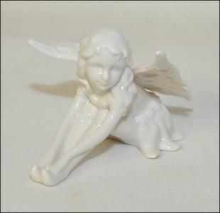 Fata Seduta In Ceramica Bianca...