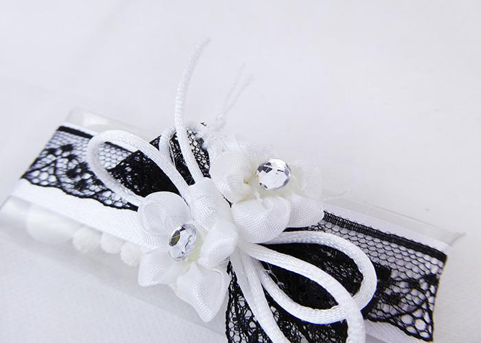 Bomboniera Astuccio PVC B/W Nastro Pizzo E Fiori Strass Wedding