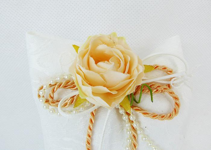 Bomboniera Sacchetto Ricamato Cordoncino E Fiore Pesco Wedding
